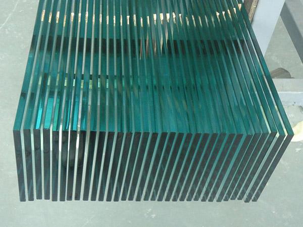 应该如何处理钢化玻璃的划痕