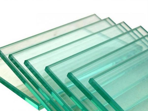 兰州钢化玻璃带您了解钢化玻璃与普通玻璃的差别。