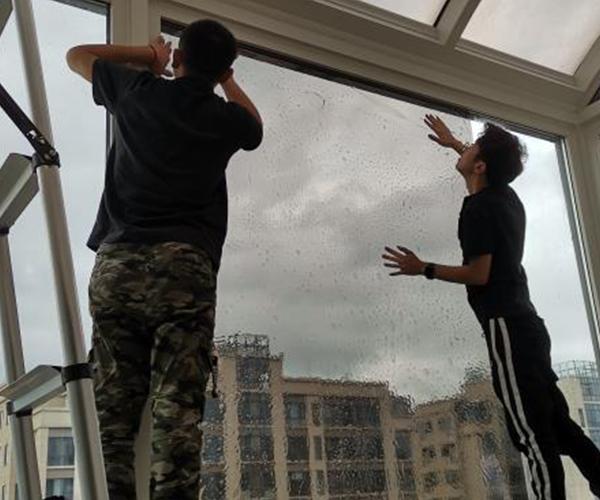 融侨悦城贴膜施工屋顶玻璃贴膜安装
