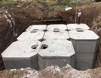康乐县国盛家园组合式水泥化粪池施工
