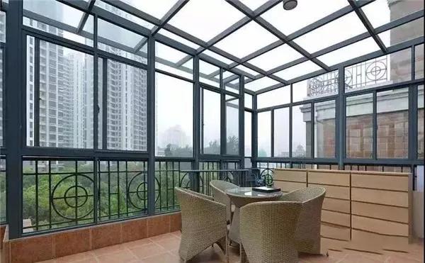 阳光房中空玻璃与夹胶玻璃怎么区分