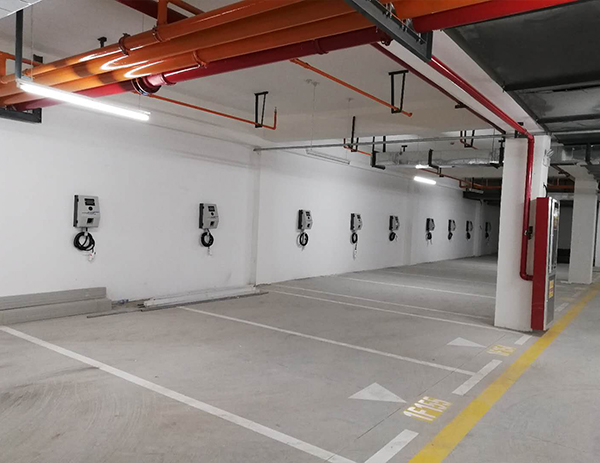 中建昆明澜庭地下充电站