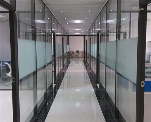 西安办公室玻璃隔断安装认准西安大名装饰高隔间