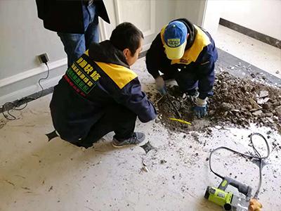 天花板漏水的原因及处理办法 吊顶漏水怎么修补?