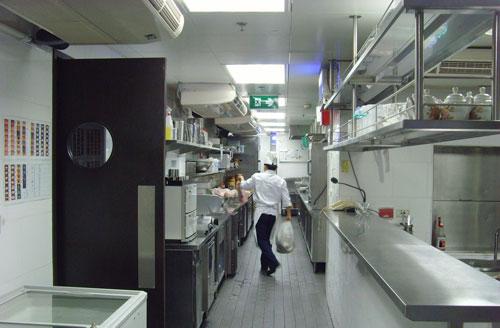 厨房水槽怎么设计 选购水槽切勿购买劣质产品