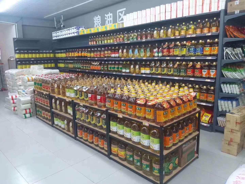 超市货架奶堆