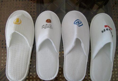 采购酒店用品拖鞋时需要注意什么