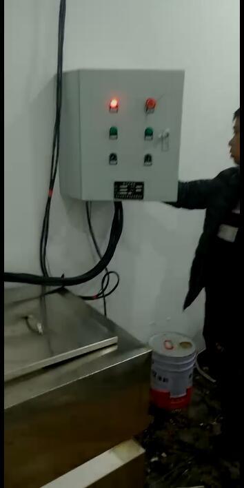 西安万鑫康商贸有限公司不锈钢污水提升设备调试完毕