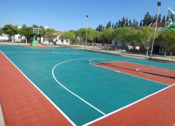 西安篮球场塑胶地坪价格