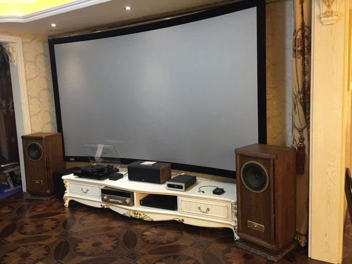 小客厅幕布家庭影院系统安装调试案例