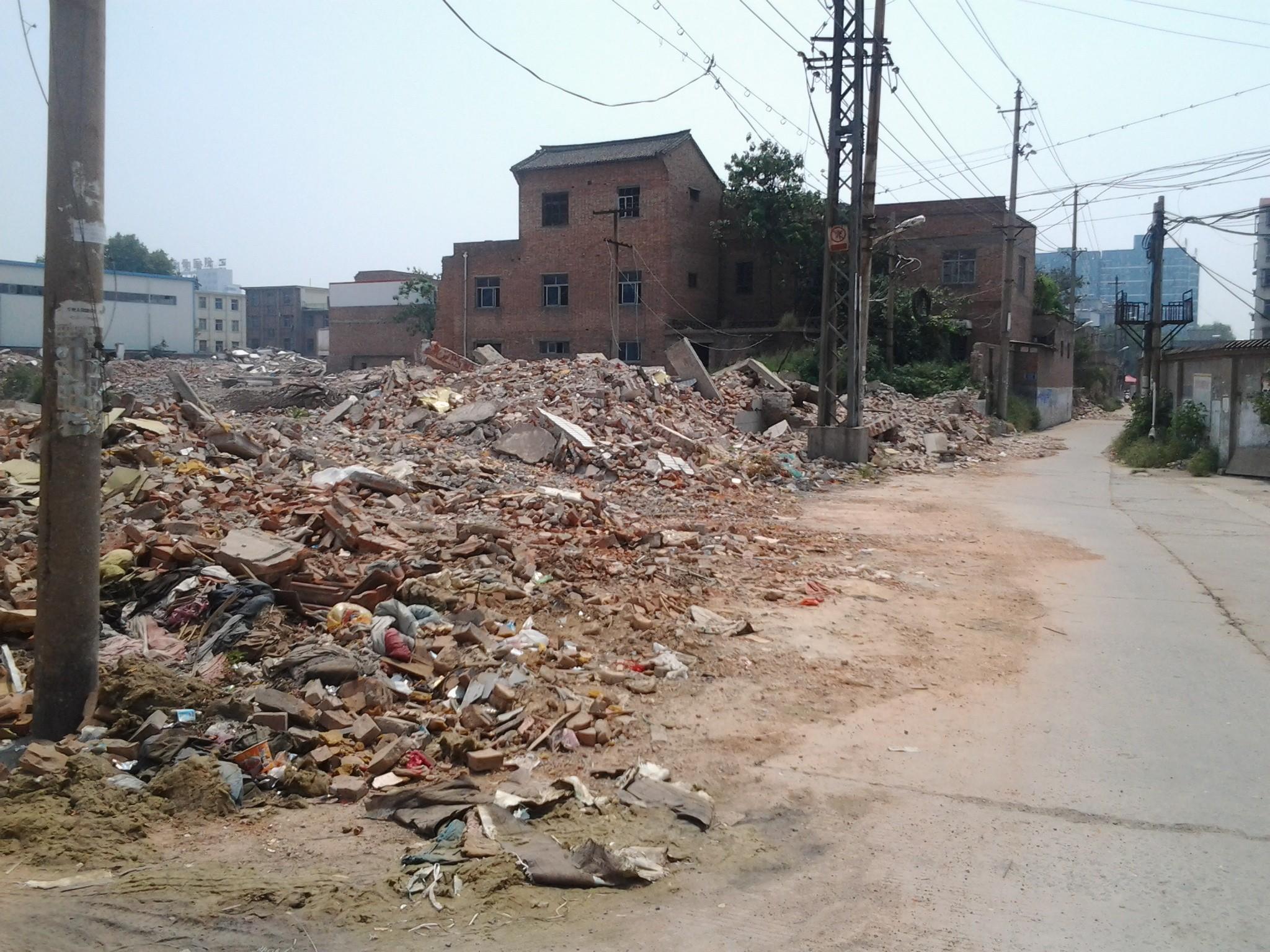 建筑垃圾回收利用后有哪些好處?西安新星藍天建筑垃圾回收公司為您解答