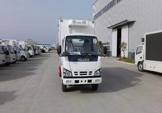 庆铃600P厢长4.35米冷藏车