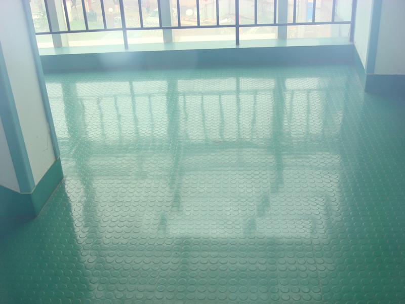 雷诺橡膠地板