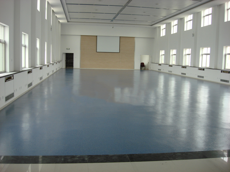 西部机场集团办公楼橡膠地板案例
