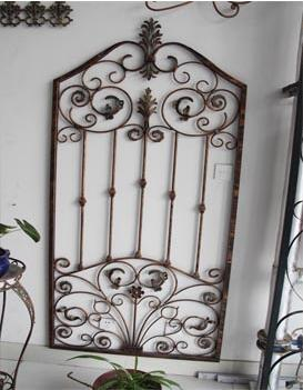 西安仁宝钢结构有限公司是一家专业生产铁艺装饰精品公司