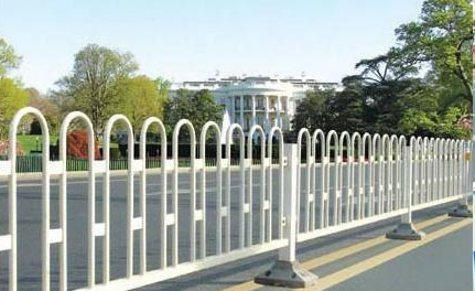 公路护栏的功能可不止分割那么简单