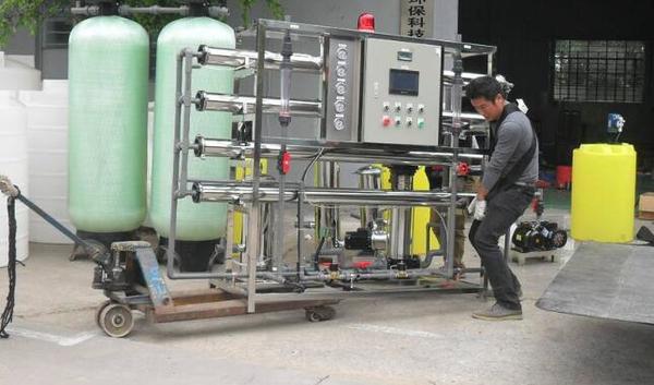 反渗透设备水质稳定性能高各行业的首选