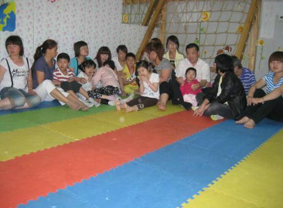 发育迟缓儿童和志愿者