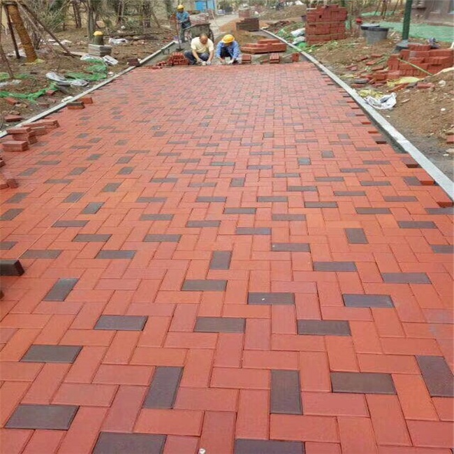 透水砖铺路已是打造海绵城市路面的好帮手