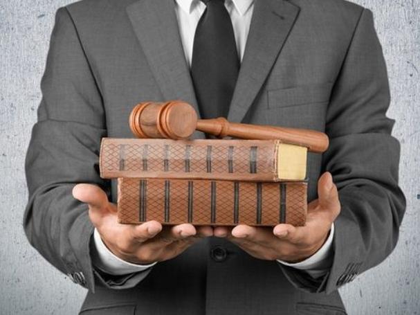 西安刑事辩护律师介绍刑法全文第三百九十七条内容