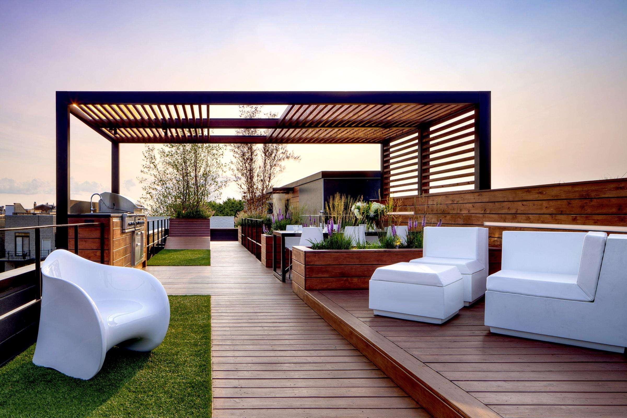 有钱人偏爱的屋顶花园和露天泳池,到底是怎么设计的?