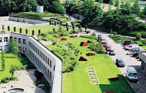 西安屋頂綠化廠家告訴你三種屋頂綠化方式的不同優缺點