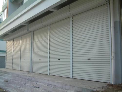 西安灞桥区厂房电动抗风卷帘门安装