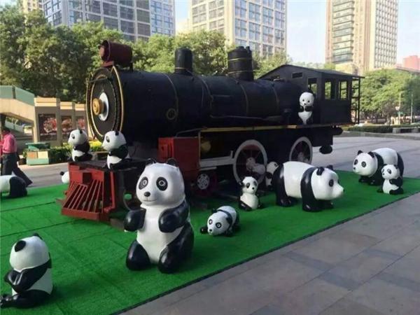 熊貓卡通展道具出租