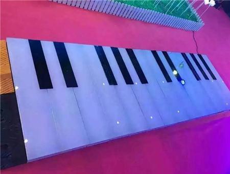 地板钢琴网红道具租赁