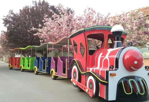 兒童樂園道具巡游小火車租賃有驚喜