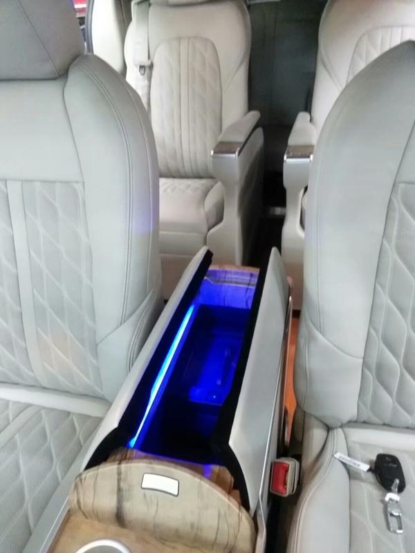 金杯银杯不如口碑朱先生推荐朋友来改装,别克GL8底盘隔音+柚木地板+豪华扶手冰箱+航空座椅施工案例