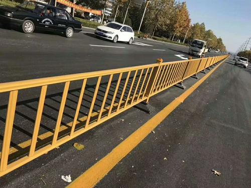 常见道路护栏的功能都有哪些