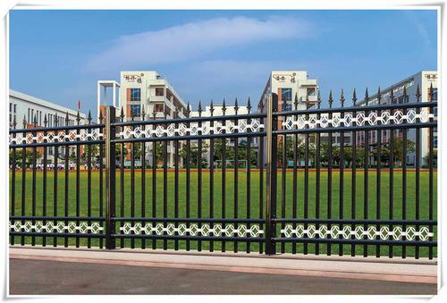 围墙栏杆的立杆间距都是多少