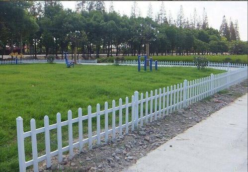 小区草坪护栏