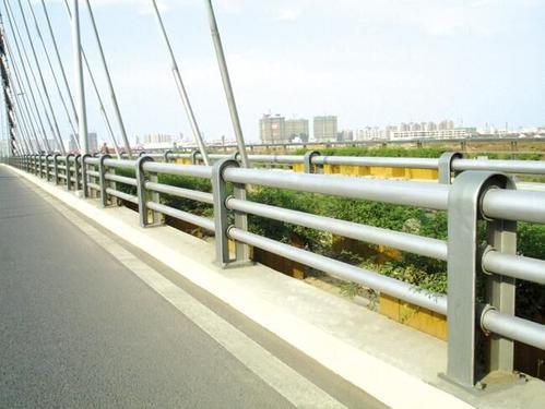 汽车防撞护栏