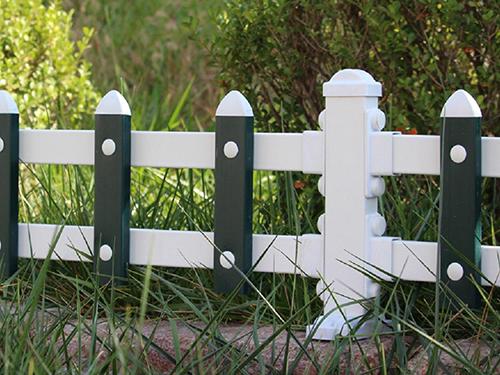 设计草坪护栏时要考虑什么问题