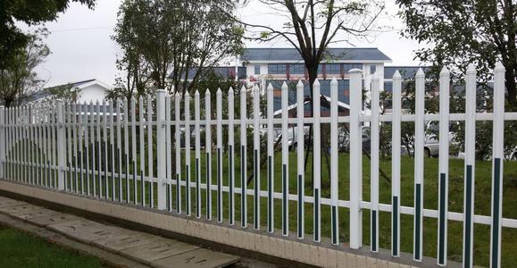 社区中使用热镀锌护栏的原因