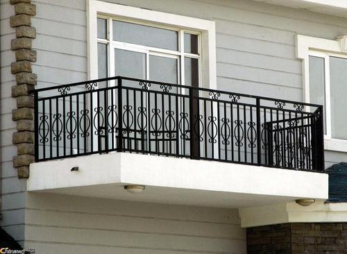 阳台护栏安装应该注意的问题