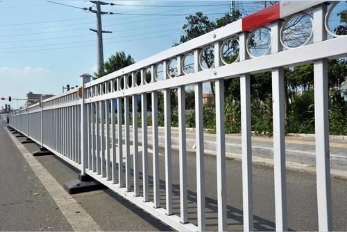 交通护栏发挥着怎样的意义呢