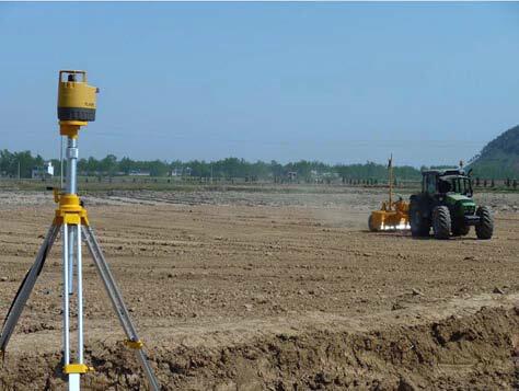 激光平地助力高标准农田建设