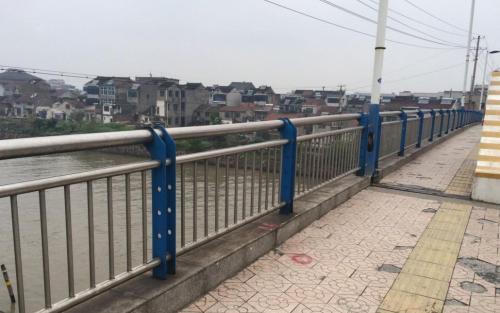 桥梁护栏厂家