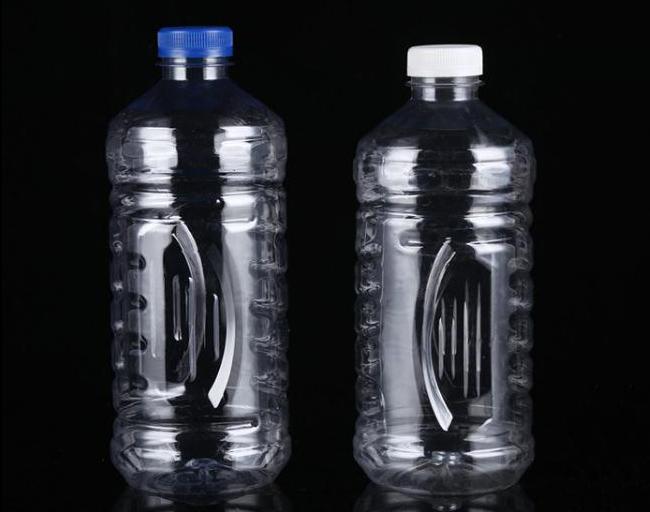 1.8升汽车玻璃水瓶