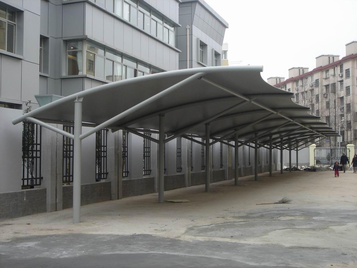 膜结构停车棚的安全规范是怎样的?
