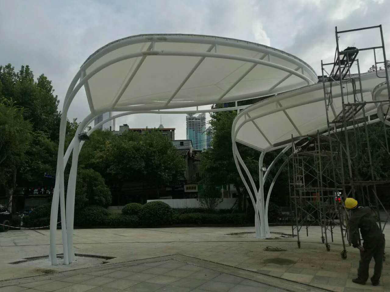 膜结构风雨棚