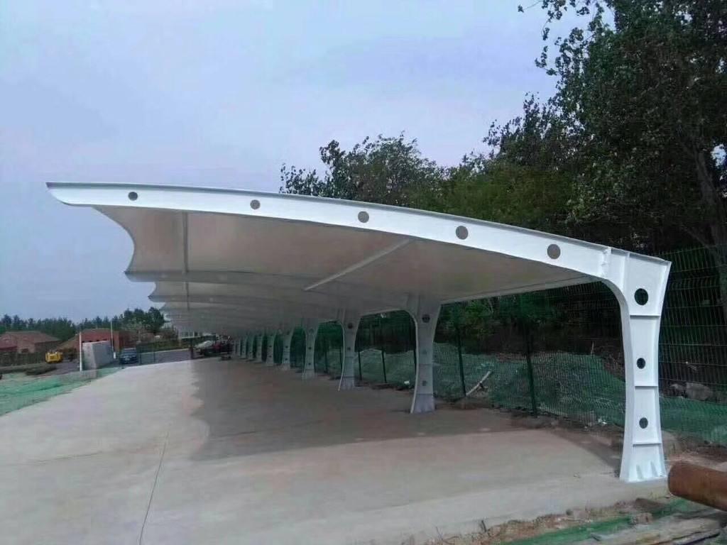 膜结构停车棚和钢结构停车棚有哪些区别