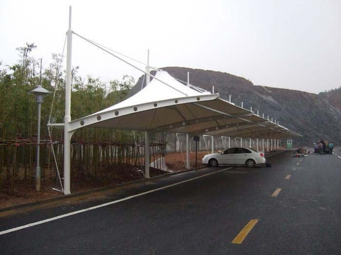 关于膜结构车棚的篷布材质是膜结构
