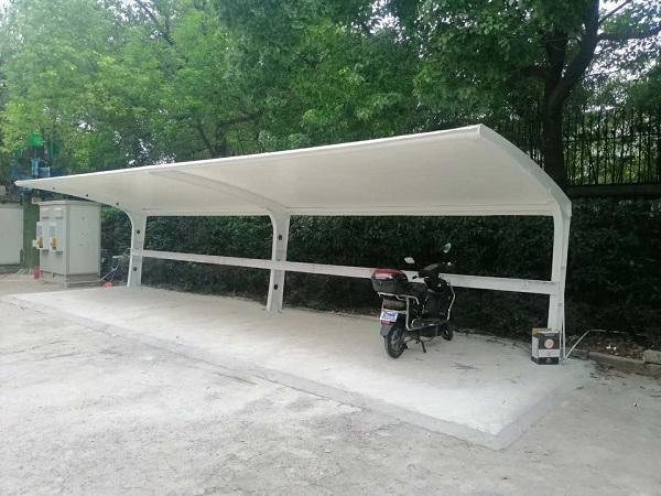 粘合膜结构停车棚有什么方法