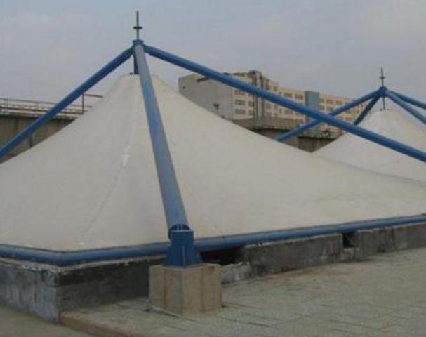 吐鲁番污水池加盖