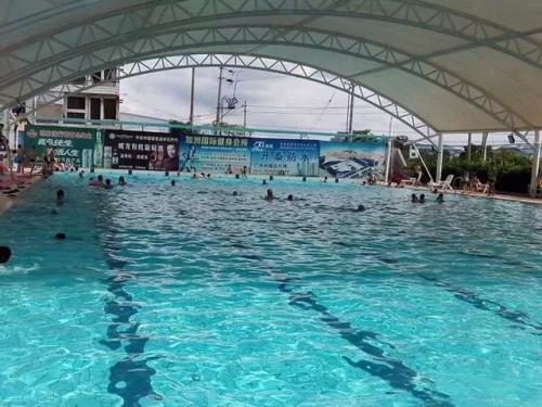 游泳池膜结构看台