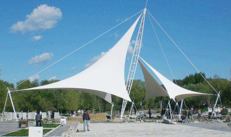 晋中膜结构景观伞工程搭建为何要进行一定的动力分析?